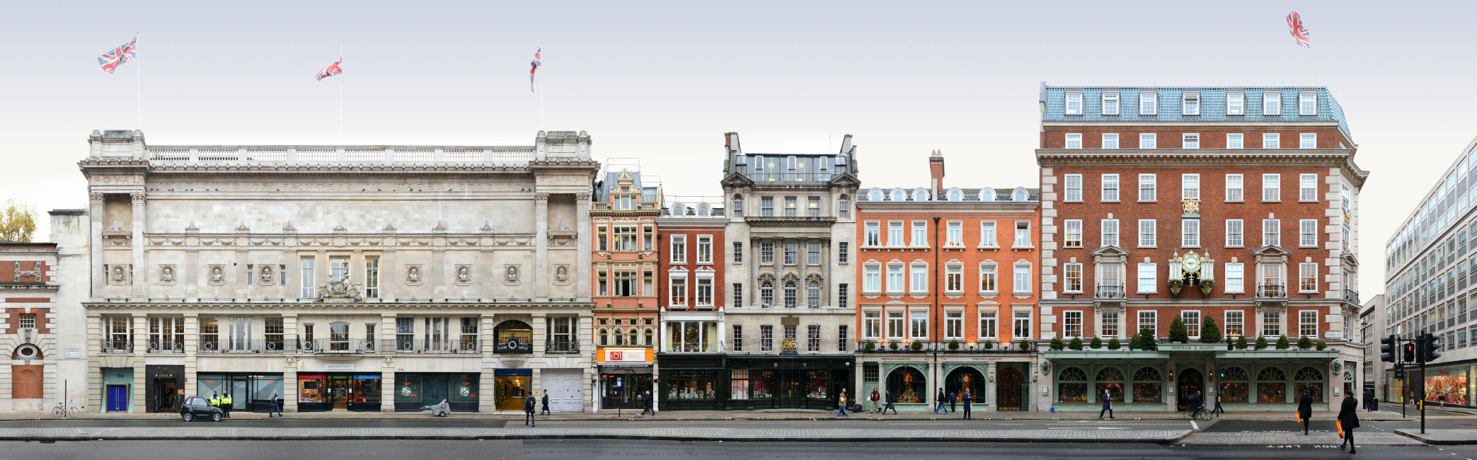 London Picadilly Streetscape Architecture