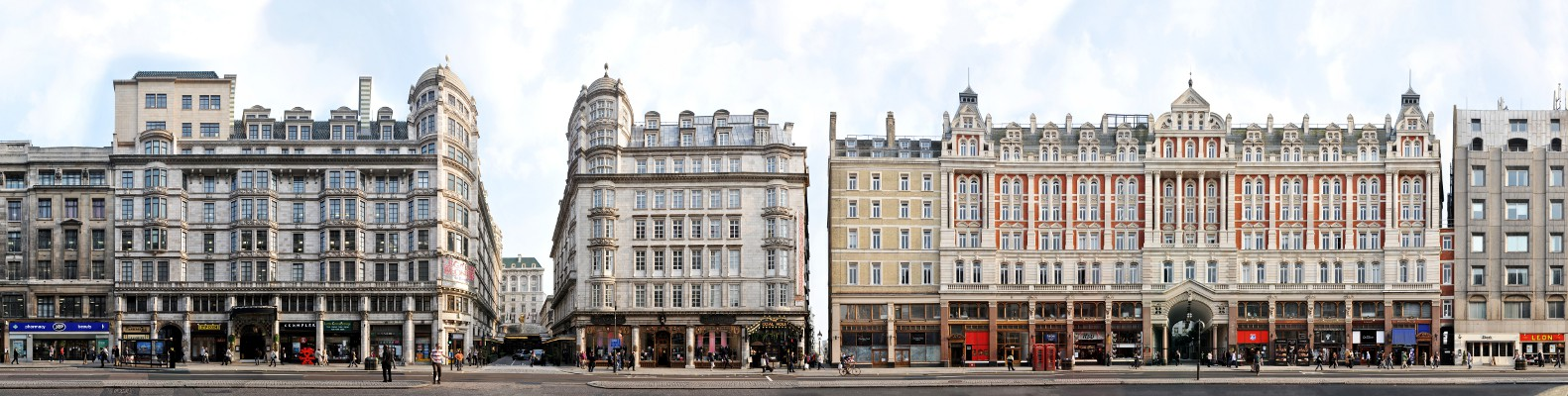 London Strand Savoy Panorama