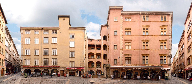 Vieux Lyon | Place Neuve Saint-Jean